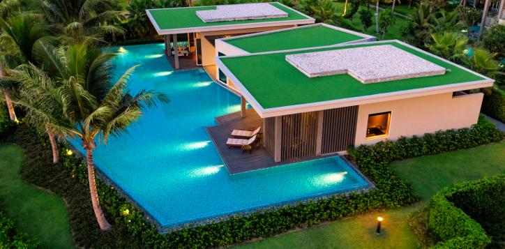 pool-villa-beachfront
