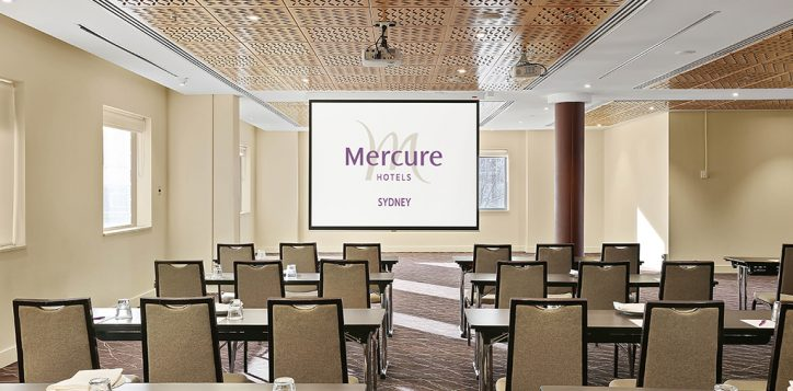 grand-central-classroom-2-with-mercure-logo