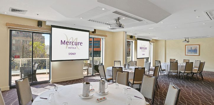 stm-cabaret-5-with-mercure-logo