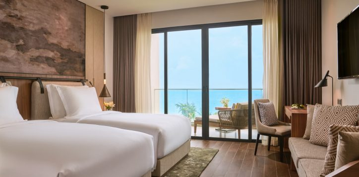 superior-twin-room-sea-view-with-balcony