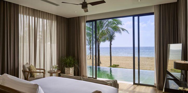 villa-bedroom-master2