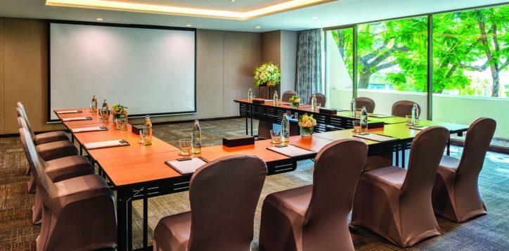 turmeric-meeting-room-001
