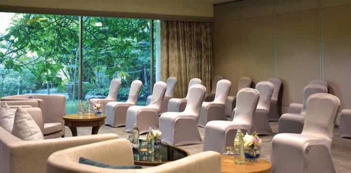 movenpick-bangkok-meeting-room