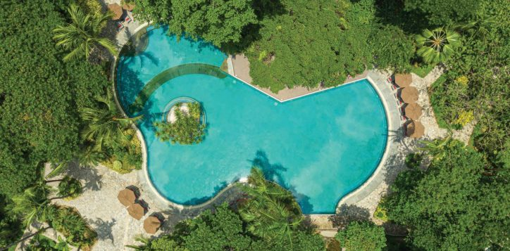 movenpick-bdms-pool