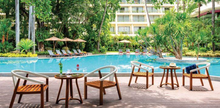 sala-pool-bar-movenpick-bangkok
