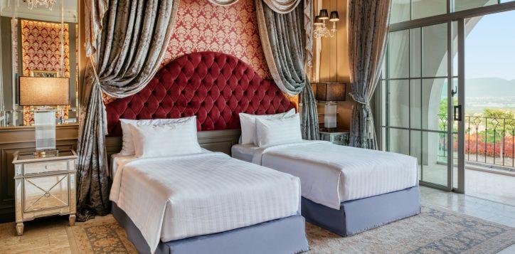 movenpick-khaoyai_executive-deluxe-twin-bedroom-2