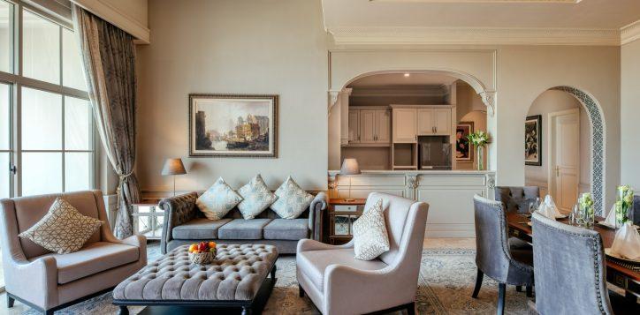 movenpick-khaoyai_penthouse_living-room1-2