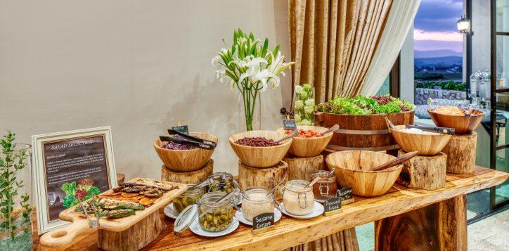 movenpick-khaoyai_flavours-of-khao-yai_breakfast-buffet-line1-2