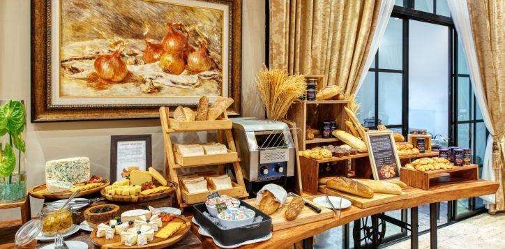 movenpick-khaoyai_flavours-of-khao-yai_breakfast-buffet-line2-1-2