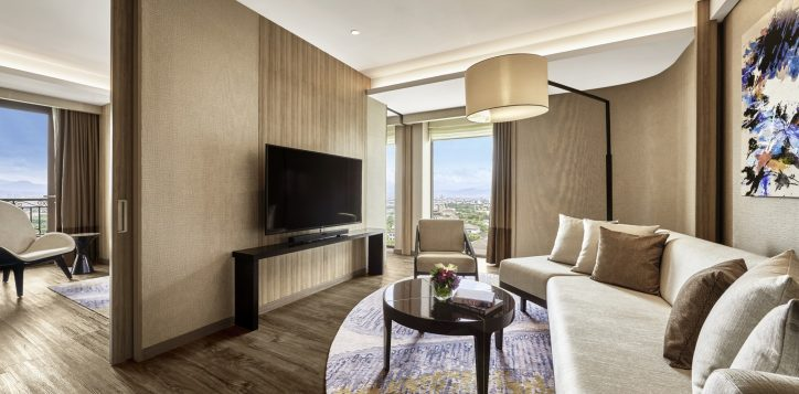 pullman-suite-living-room