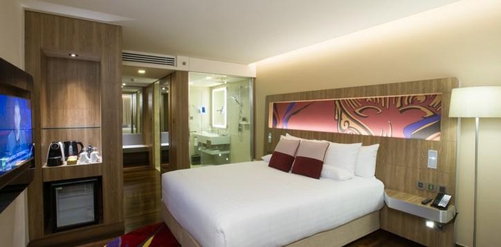 hotel-photo-001-2-2