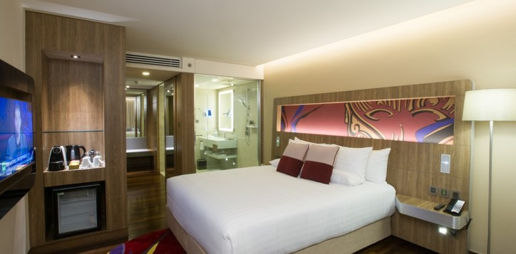 hotel-photo-001-2