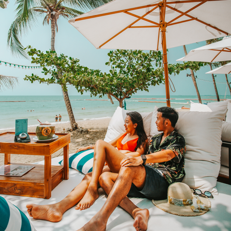 eat-at-the-beach-club-and-get-a-free-night-stay