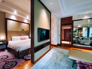 Junior Suite - Floating Wall