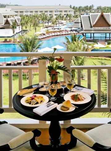 magnifique-breakfast-indulge-in-breakfast-buffet-accommodation