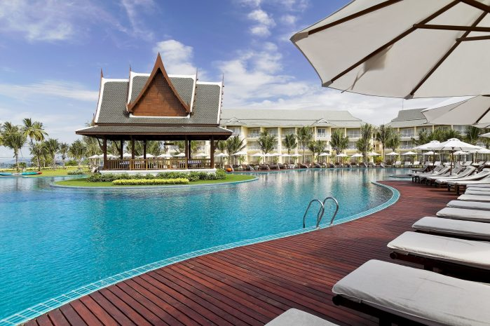 sofitel-krabi-power-walk