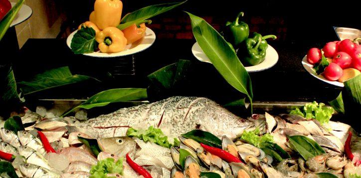 seafood-buffet-at-novotel-phuket-surin