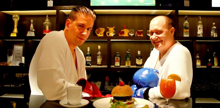 phukets-best-burger-competition-at-novotel-phuket-surin-vote