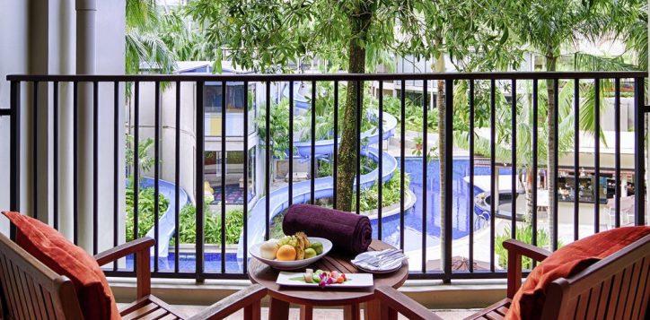 family-fun-pool-view-suite