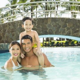 SOFITEL SWIMMING POOL WITH FAMILY x