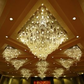GRAND PLAZA BALLROOM MURANO TEARDROP CHANDELIER x