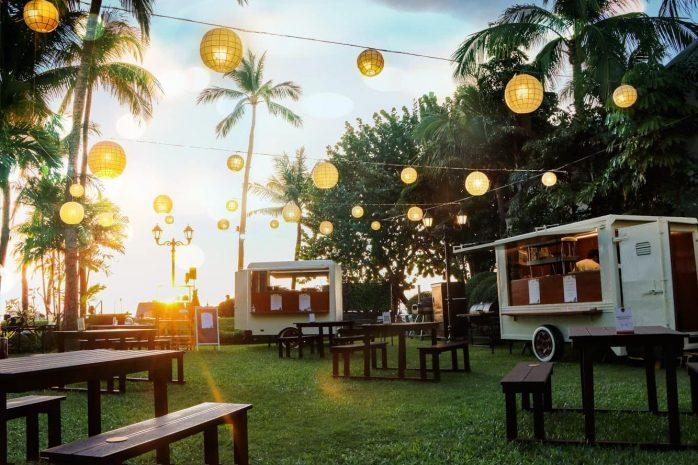 food-truck-at-sunset-bar