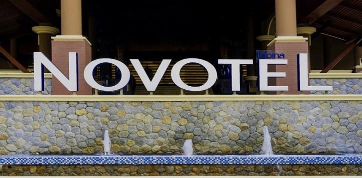 novotel-signage-021
