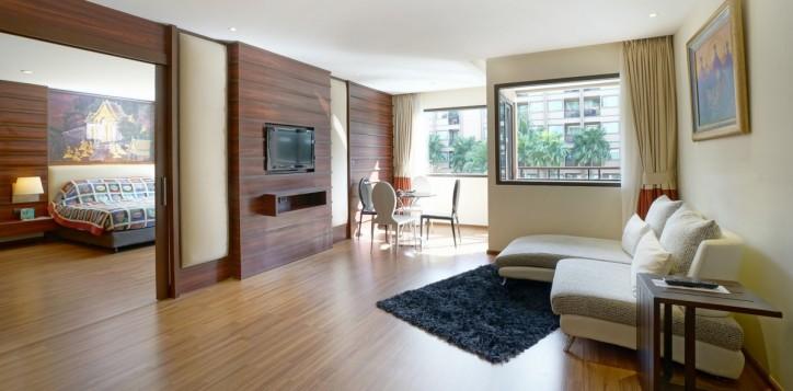 room-suite-02-2