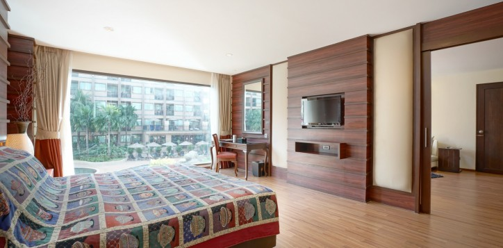 room-suite-04