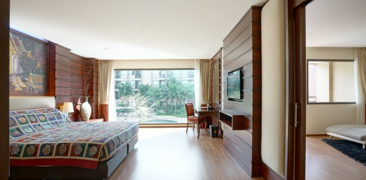room-suite-06