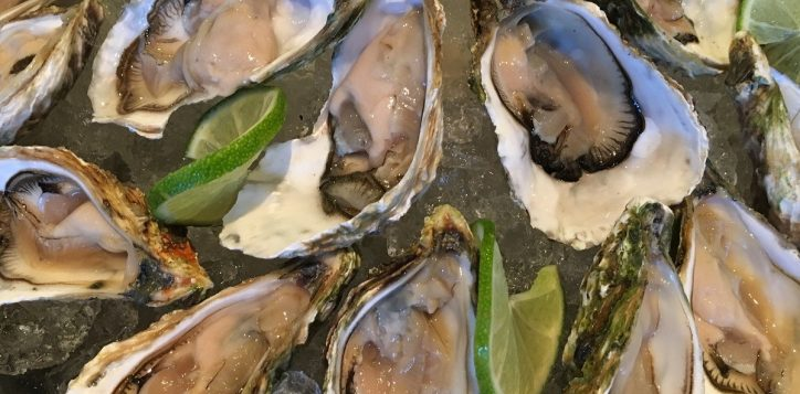 oysters-on-the-rock-novotel-nha-trang