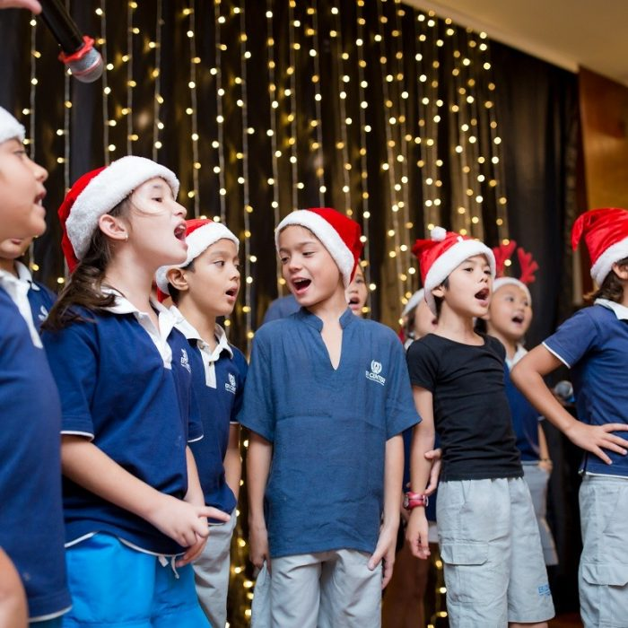 novotel-nha-trang-raised-fund-within-the-christmas-tree-lighting-ceremony