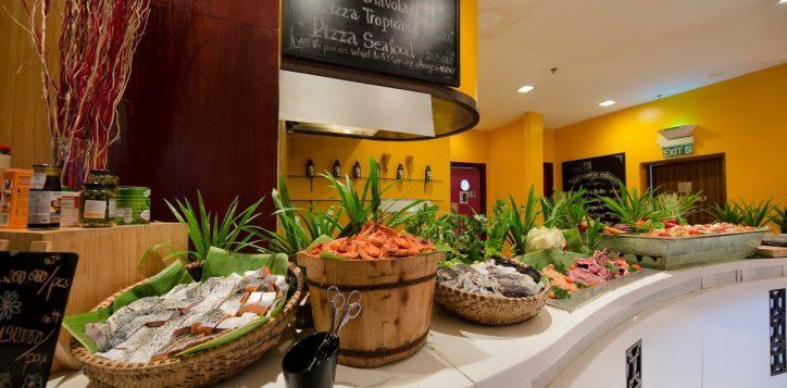 novotel-nha-trang-the-square-buffet