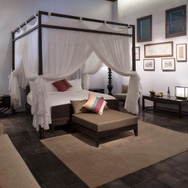H Governors Signature Residence bedroom