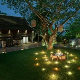 H garden romantic dinner