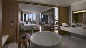 SO Lofty Wood Element Park View Suite Bathroom Bangkok - SO Sofitel Bangkok