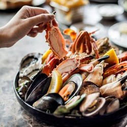 best sunday brunch seafood