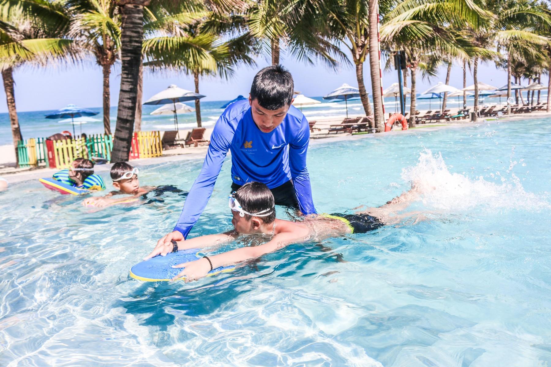 kids-swimming-class