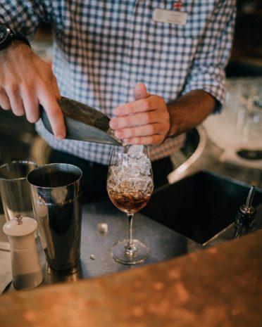 cocktail-bartender