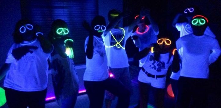 teen-glow-party