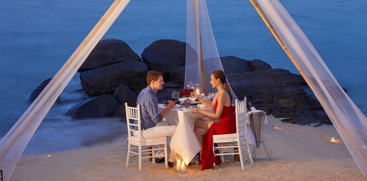 romantic-dinner-1resize-to-1400-450
