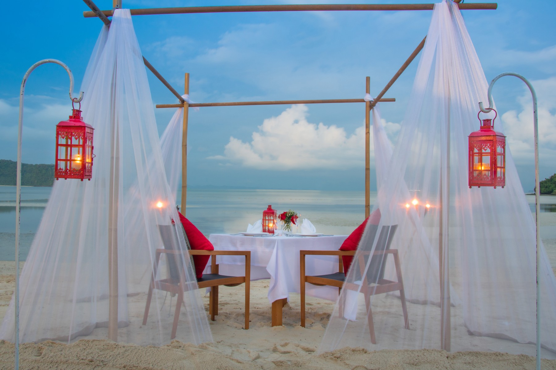 romantic-dinner-imagine-the-2-of-you
