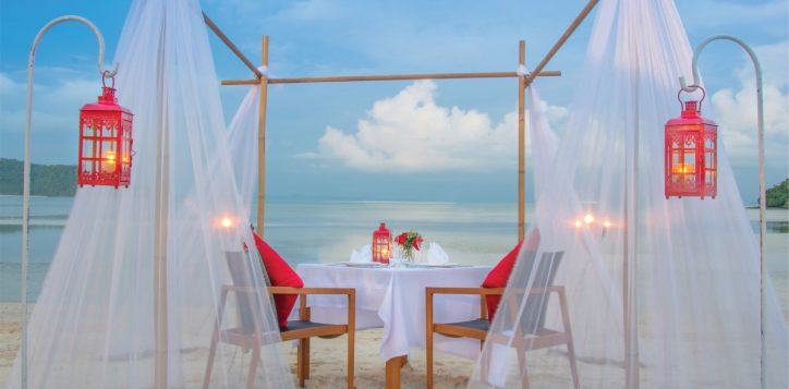 romantic-dinner-01