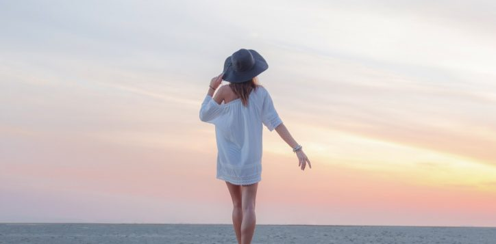 model_on_the_beach3