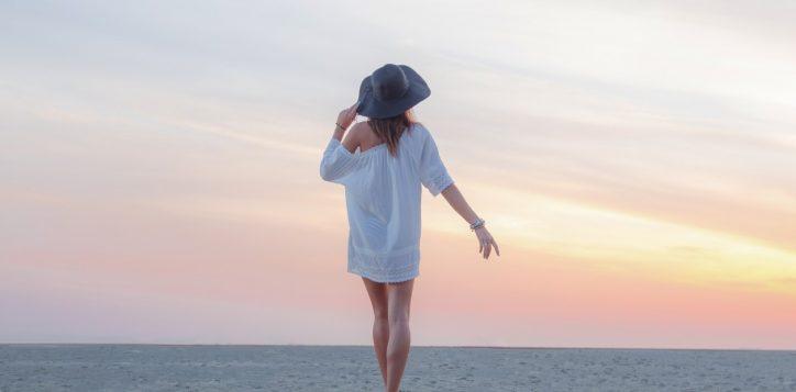model_on_the_beach3-2