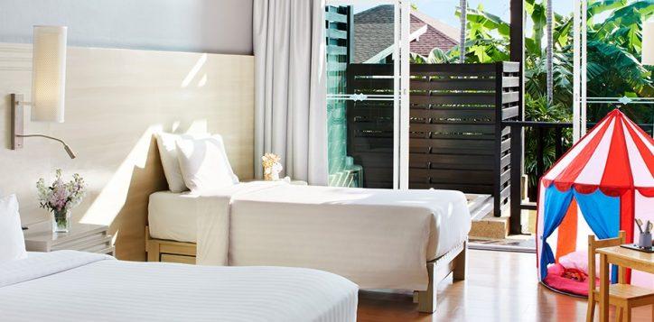1800x450-family-room