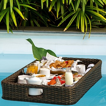 phuket floating breakfast