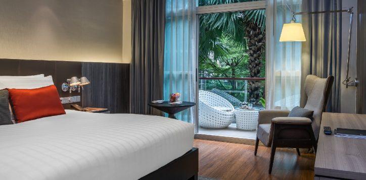 bangkok-city-hotel-deluxe-balcony