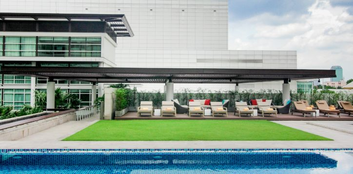 bangkok-city-hotel-swimming-pool-full-4