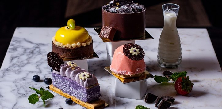 cake-selections-at-the-junction